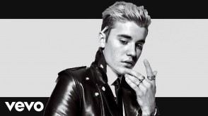 Justin Bieber - God ft. Maluma (Official Video)